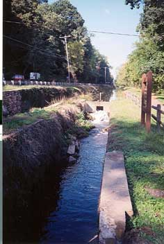 Lock 17, below Tinicum